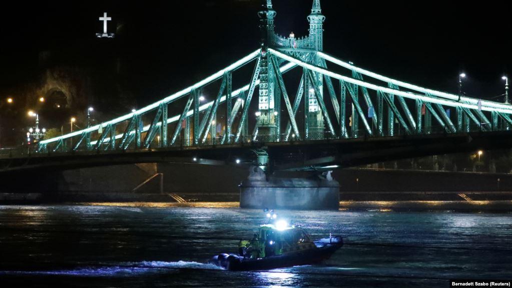 БРОДСКА НЕСРЕЌА ВО БУДИМПЕШТА: Најмалку 7 загинати и 21 исчезнати корејски туристи во Дунав