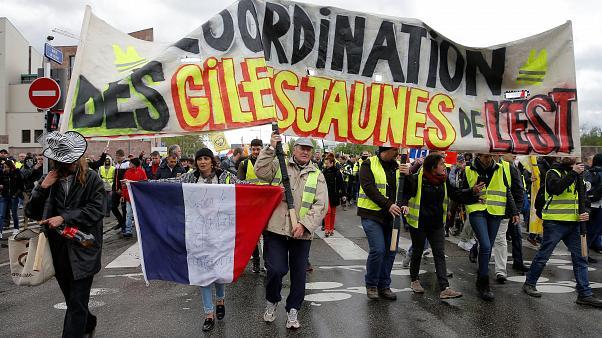 СЖТ: На Првомајски демонстрации 310.000 Французи