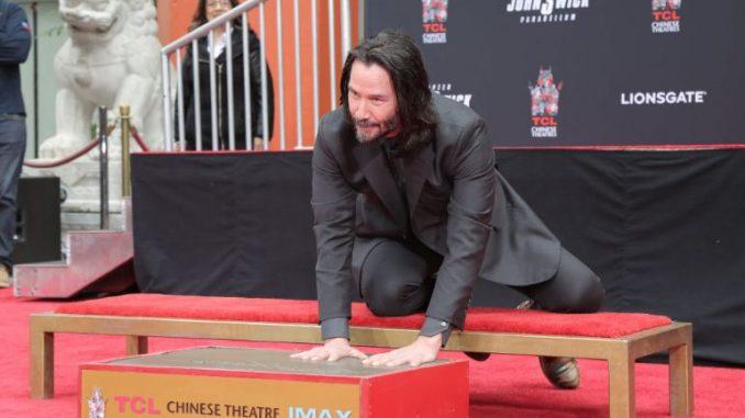 Лос Анџелес: И Кијану Ривс остави стапалки пред ТЦЛ Кинески театар