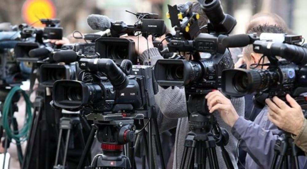 ИФЈ: Осуда на притисоците врз новинари во Франција