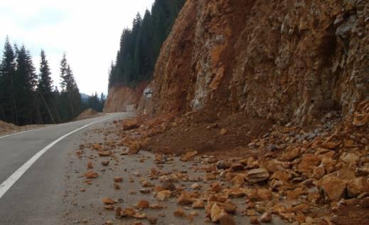Одрони на патиштата: Внимателно возење од Дебар кон Маврово и кон Струга