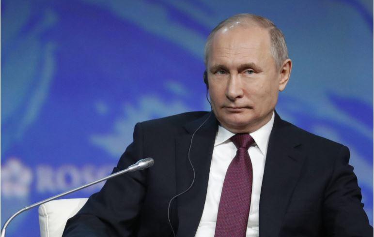Путин: За руска Википедија 27 милиони долари до 2022 година
