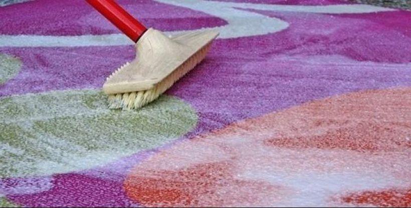 Трик за чисти теписи: Сода бикарбона замена за сервис за перење