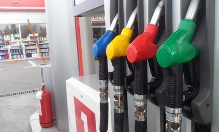 РКЕ: Бензините поевтинуваат за 3, а дизелот за 2,5 денари