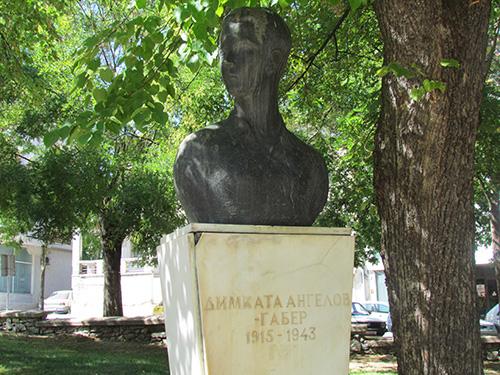 НА ДЕНЕШЕН ДЕН: Роден е писателот Ванчо Николески, а од окупаторски бугарски куршум загина херојот Димката Ангелов – Габерот