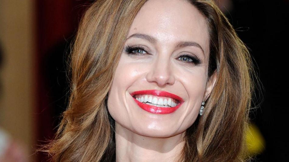 Тревога: Фотографија на Анџелина Џоли го шокира светот, што се случува со актерката?