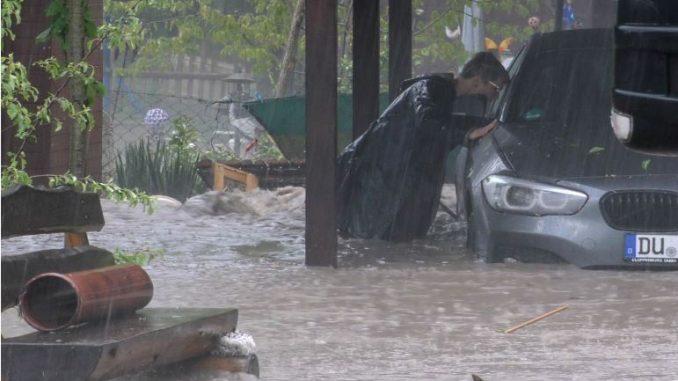 Бура во Германија: Повредени се над 20 лица
