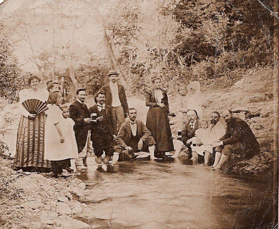 (фото) ПОСЛЕДНАТА ФОТОГРАФИЈА НА ДЕЛЧЕВ?: Гоце на пикник со пријатели пред кобниот пат кон Баница?