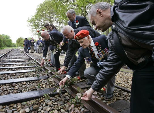 Холандските железници ќе им платат отштета на жртвите на Холокаустот