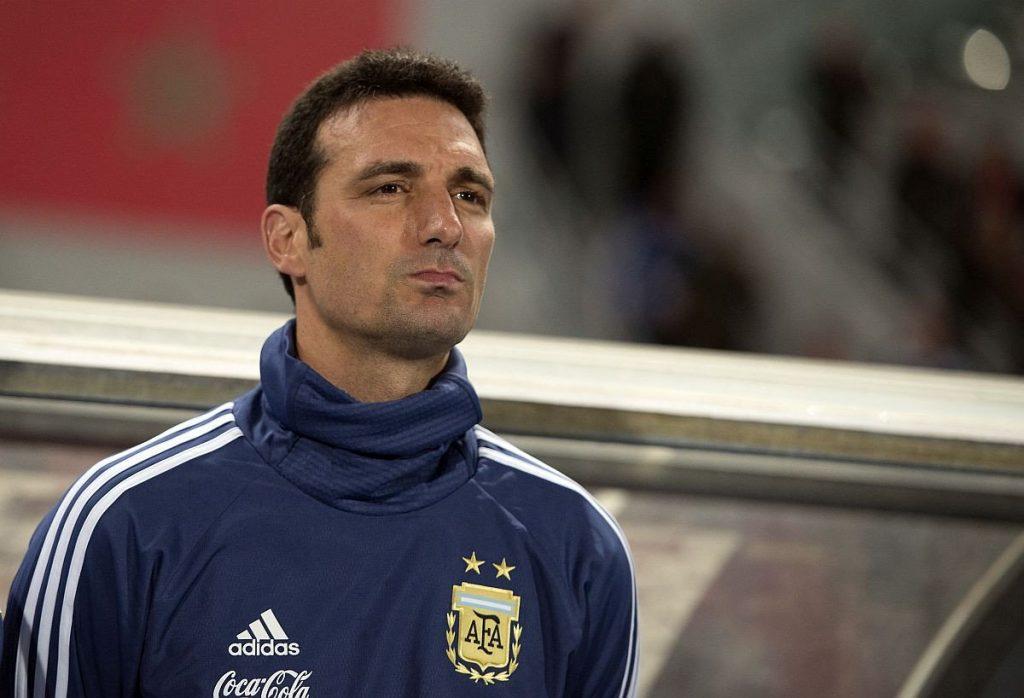 Скалони: Агуеро ќе стартува против Бразил, за Меси не можам да потврдам