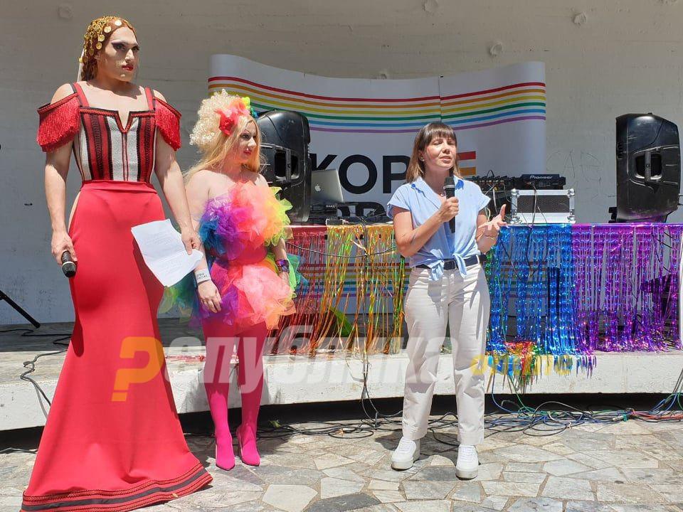 Царовска на ЛГБТ парадата: Ќе се бориме се до моментот додека секој од нас неможе слободно да љуби и тоа јавно да го покаже
