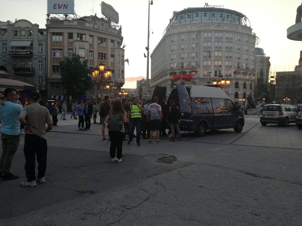 Пред натпреварот со Македонија во Скопје: Меѓусебно се степаа полски навивачи