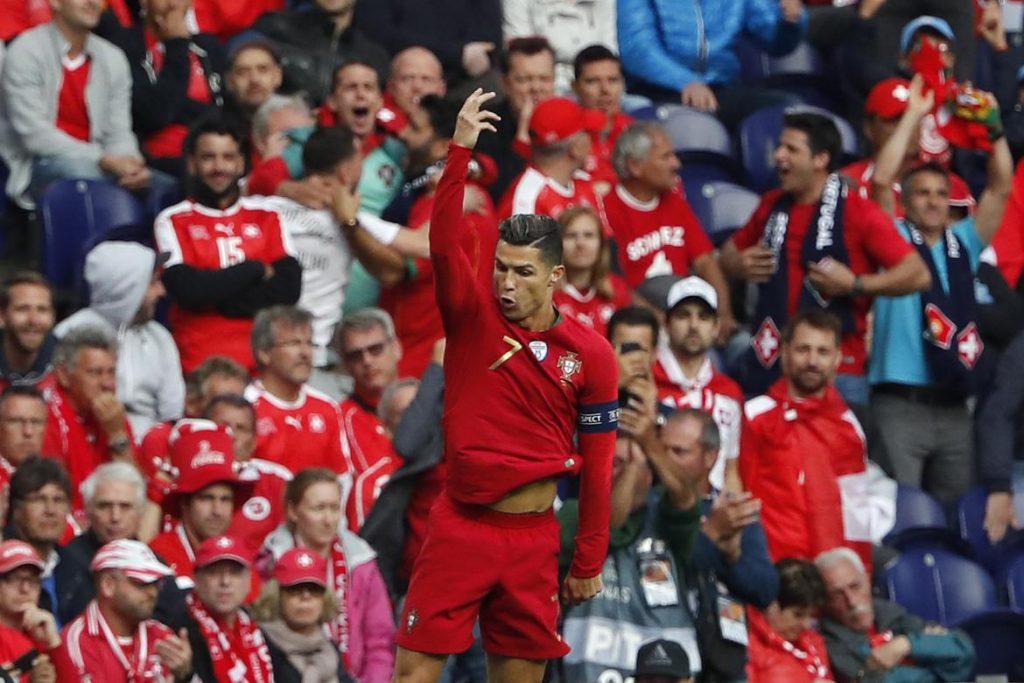 Трите гола на Роналдо ја носат Португалија во финалето на Лигата на нациите