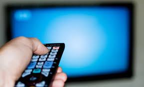 Испитување во САД: Луѓето што повеќе од 4 часа на ден седат пред ТВ со ризик од срцеви заболувања