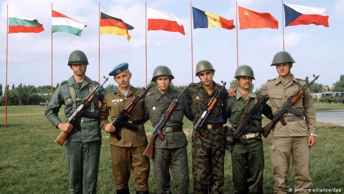 """НА ДЕНЕШЕН ДЕН: Во Прага во 1991-ва по 46 години постоење е растурен """"советскиот НАТО"""" со што беше подигната Железната завеса во Европа"""