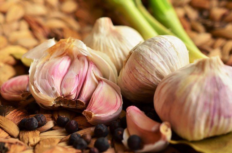 Непријатно мириса, но е корисен: Лукот е резервоар на минерали и природни лековити својства