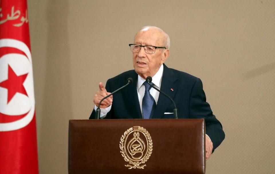 Избори во Тунис: 98 кандидати за шеф на државата