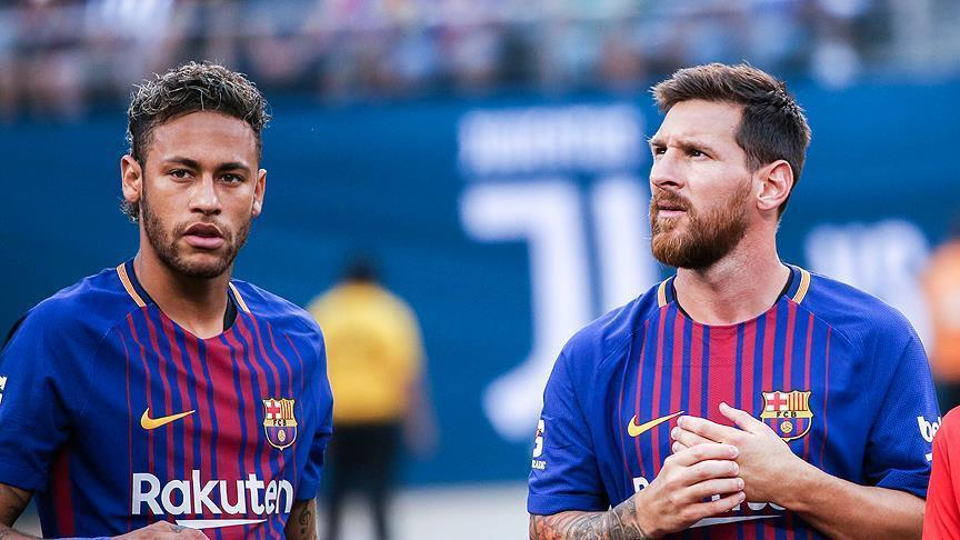 Меси го убедува Нејмар да не оди во Реал