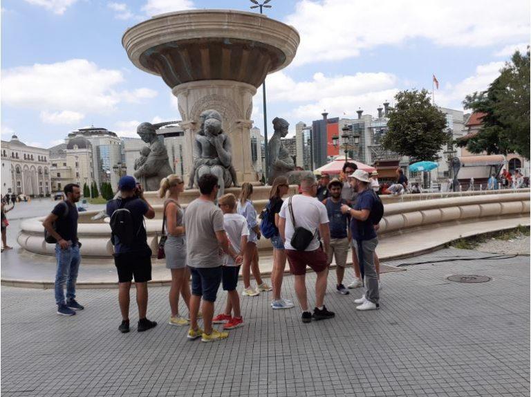 ТУРИЗМОТ СОТРЕН: Во мај Македонија ја прошетале само 838 туристи, колку за една поголема свадба или 99,2 отсто помалку од лани