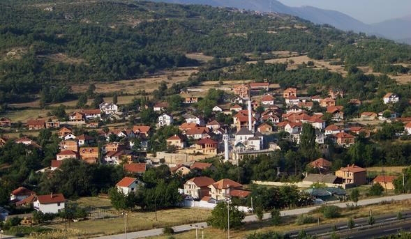 """Пукање во село Арнакија, Сарај, еден повреден во """"8 Септември"""""""