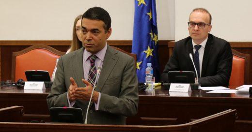 Димитров со амбасадори од ЕУ: Многу бевме умни, дајте ни датум!