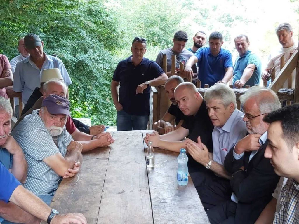 КАМПАЊА?: ДУИ се пофали со регионален пат Гостивар-Србиново