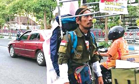 ВО ОБИД ДА ГО СВРТИ ВНИМАНИЕТО: Меди Бастони шета 700 километри наназад за да ги спаси шумите