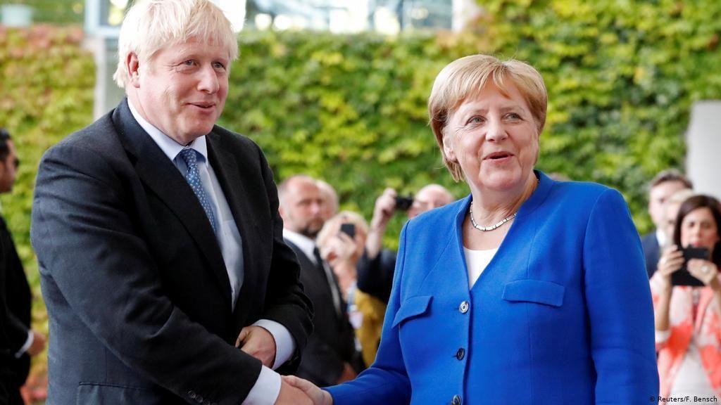 Меркел и Џонсон веруваат во Брегзит со договор