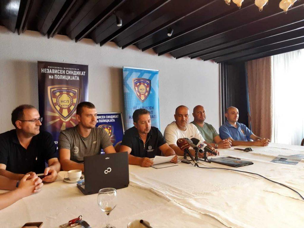 НСП: МВР и министерот Оливер Спасовски да олабават со притисоците
