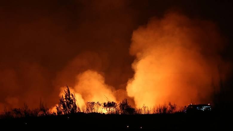 Евакуиран манастир поради пожар на Евија
