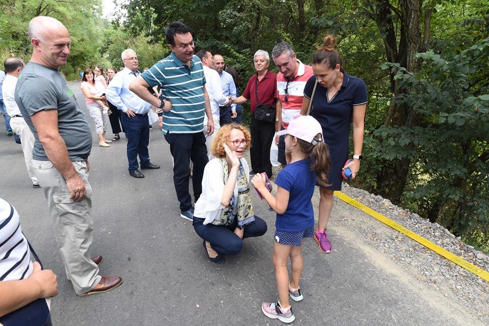 Шеќеринска во Берово: Да пукне, со министерката за одбрана
