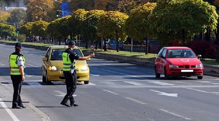 Стоп полиција во Скопје: Еден возел со алкохол во крвта, а 17 без возачка