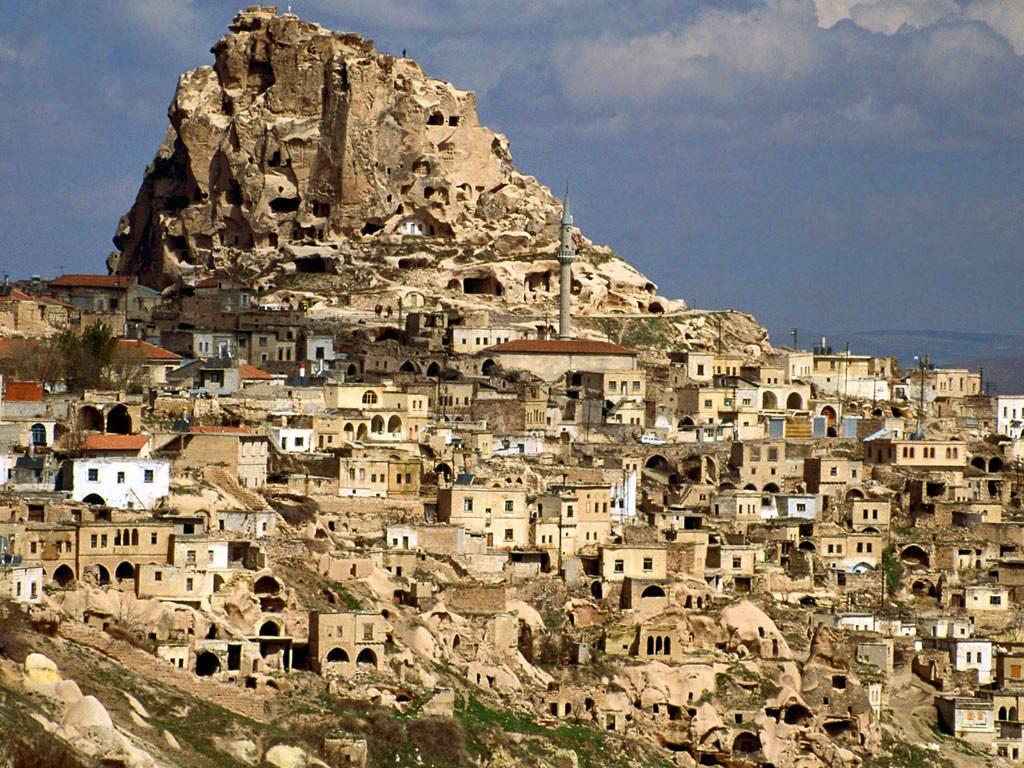 (фото) ТУРСКИ АРХЕОЛОЗИ: Во Кападокија е откриена црква од 5. век изградена под земја