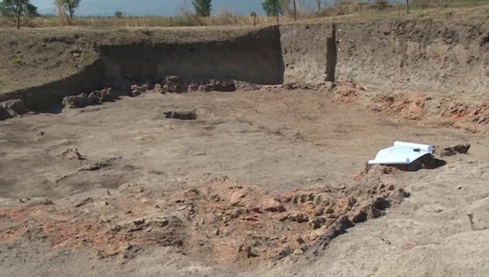 АРХЕОЛОШКИ ОТКРИТИЈА КАЈ ПРИЛЕП: Археолозите заклучиле дека пред 7 800 години, кога немало загадување и хемија, луѓето се хранеле здраво!