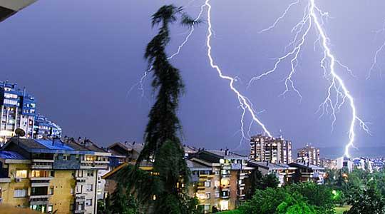УХРМ: Попладне пороен дожд и грмежи, такво време ќе биде до среда, а потоа стабилно и суво