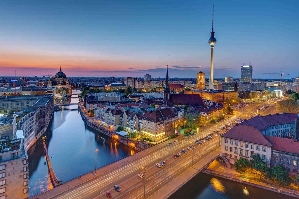 Берлинските власти ќе преземат 250 илјади станови за да се намали цената на киријата