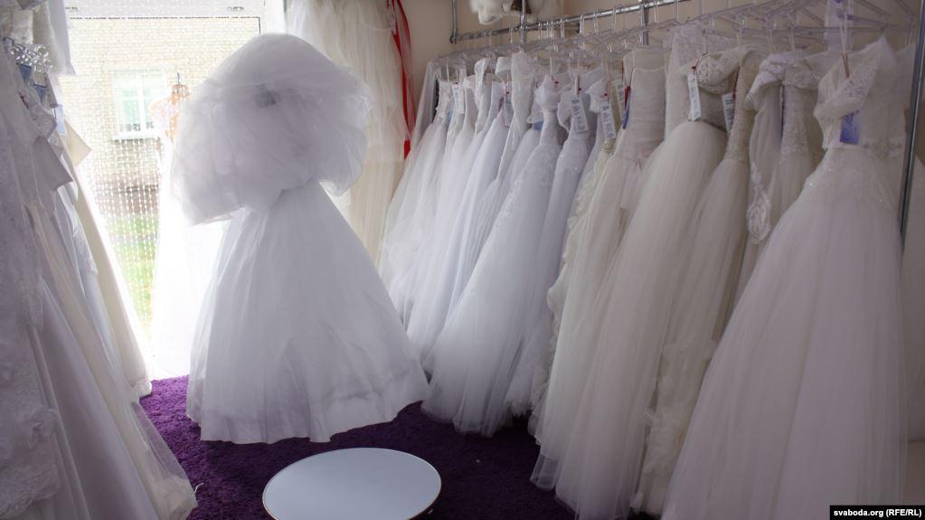 Србија: Закон против детските бракови со високи казни за родителите
