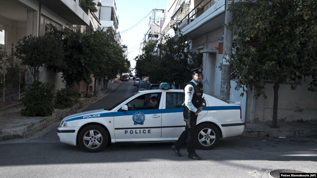Атина: За 30 минути напади на две банки и две канцеларии на Нова демократија