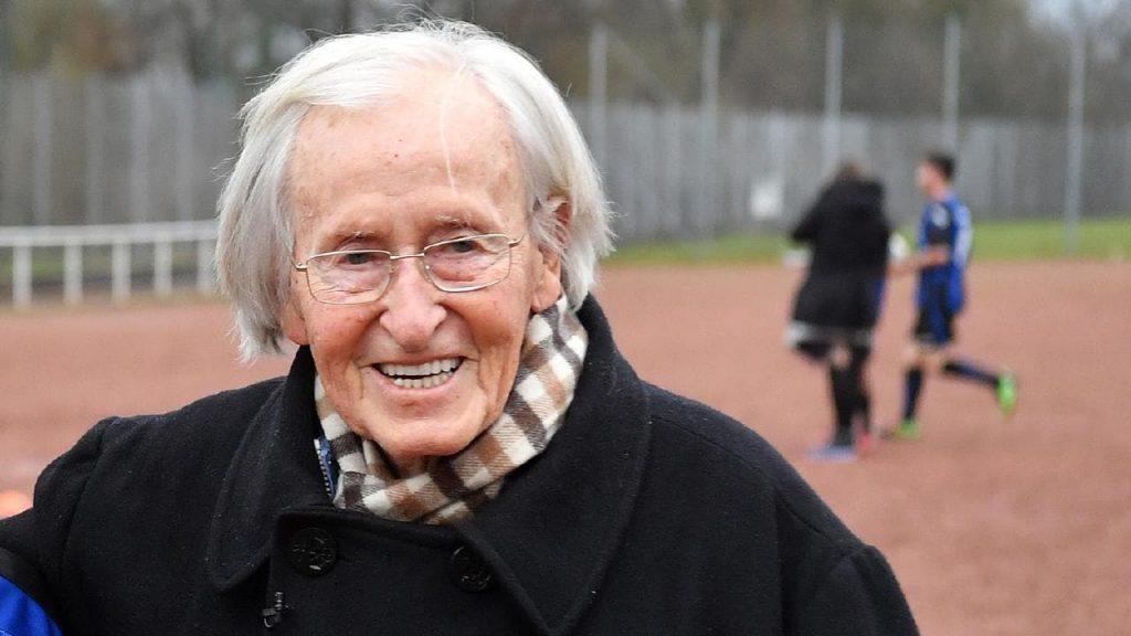 Згасна тренерската ѕвезда: Почина рекоредорот Гутендорф кој водеше 55 екипи од 32 земји