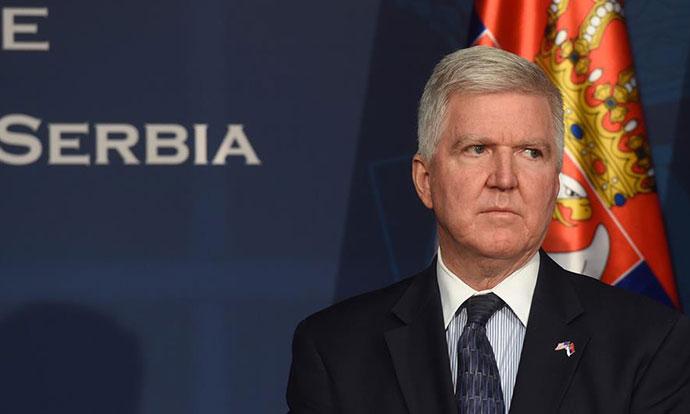 АМБАСАДОРОТ СКОТ: Секој ден Србија се бомбардира со најопасни лаги за Америка