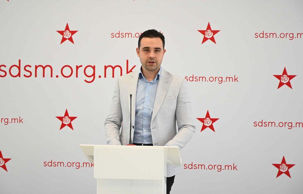 КОСТАДИНОВ: С. Македонија ја водиме напред, а ВМРО-ДПМНЕ и го попречува патот и се претвора во грчка Златна Зора