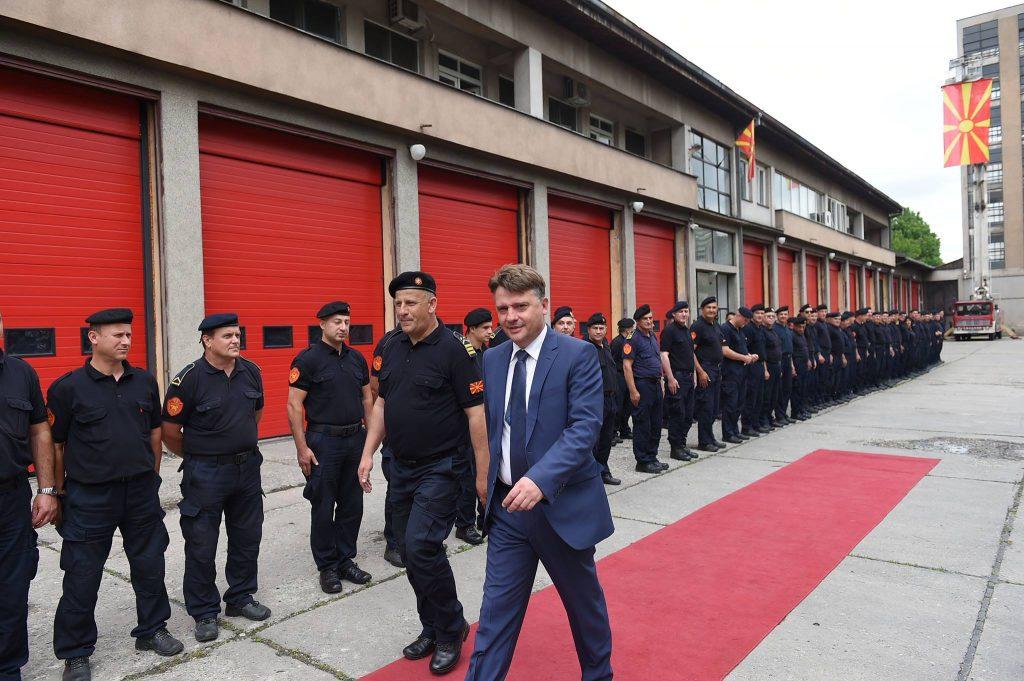 """Нов проект на Шилегов: Пожарникарите во Скопје ќе гасат на повик од дигитално""""ало пожар"""""""