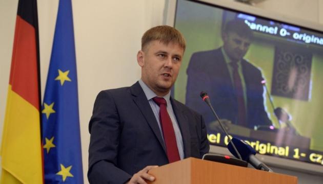 ЧЕШКИОТ МИНИСТЕР ПЕТШИЧЕК: Нема да го повлечеме признавањето на Косово