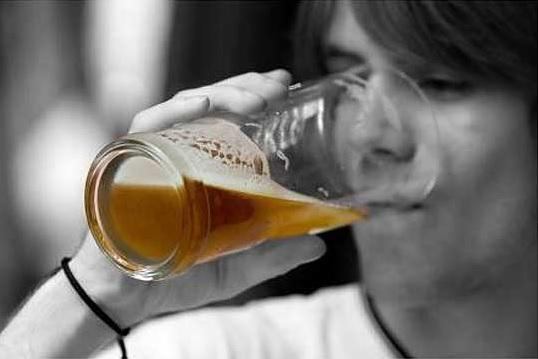 ЦЕНА ДО НЕБО: Австралиски новинар за кригла пиво во хотел платил 61.356 евра