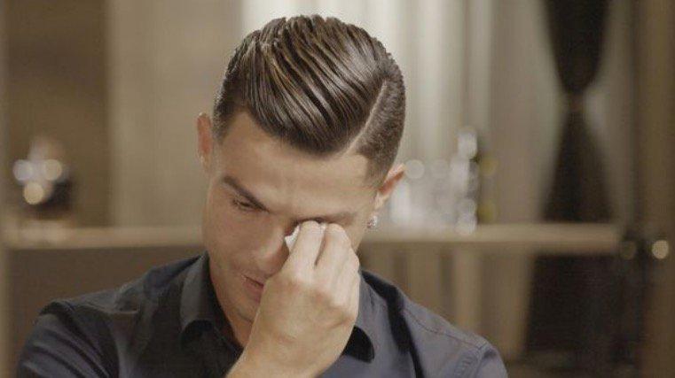 ТВ интервју: Роналдо пушти солзи за покојниот татко