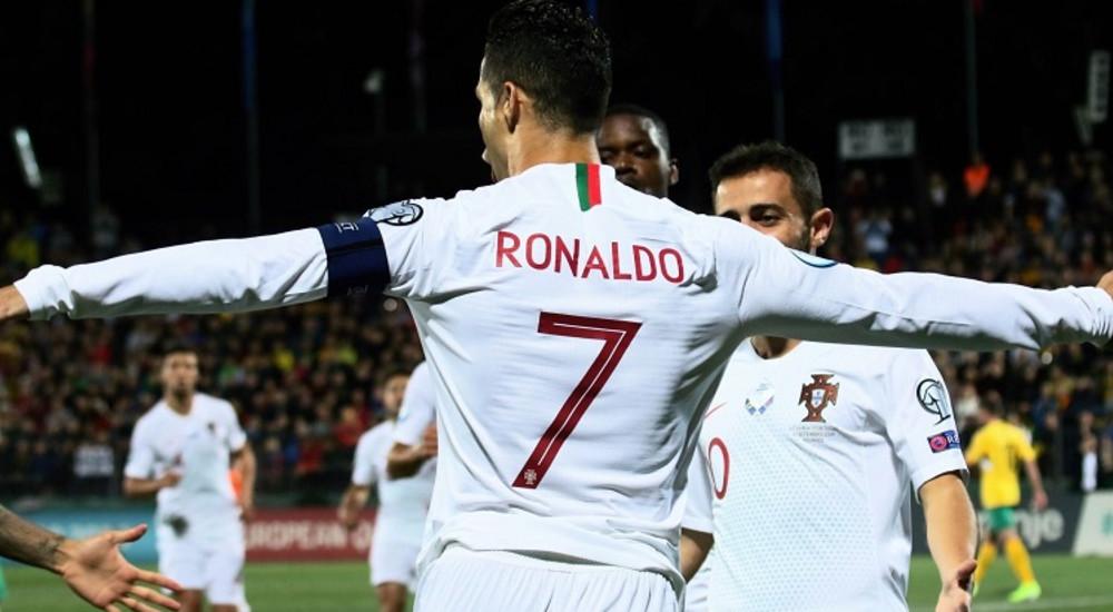 Четири гола на Роналдо во триумфот на Португалија над Литванија
