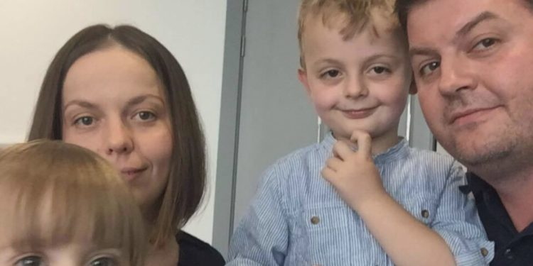 (видео) АПЕЛ ОД ДЕЦА ОД ШТИП: Ни требаат 60.000 фунти за спас на мама