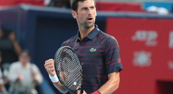 Рекорди: Ѓоковиќ го сруши рекордот на Федерер по најмногу недели како рекет број еден во светот