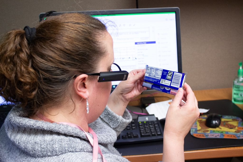 Израелската иновација за лица со оштетен вид и кај нас, прв корисник девојче од Битола