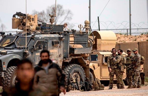 Американските сили се повлекоа од Сирија и ја уништија својата база